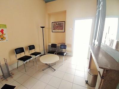 BUREAU A LOUER - LILLE - 55 m2 - 1090 € HC par mois