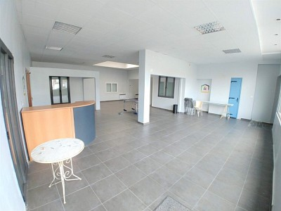LOCAL COMMERCIAL A VENDRE - CAPINGHEM - 110 m2 - 250 000 €