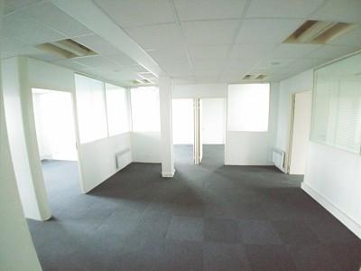 BUREAU A LOUER - WASQUEHAL - 100 m2 - 1250 € HC et HT par mois