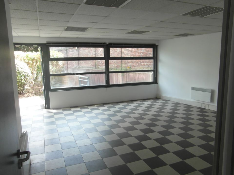 LOCAL COMMERCIAL A VENDRE / LILLE - 85 m2159�0 € HAI