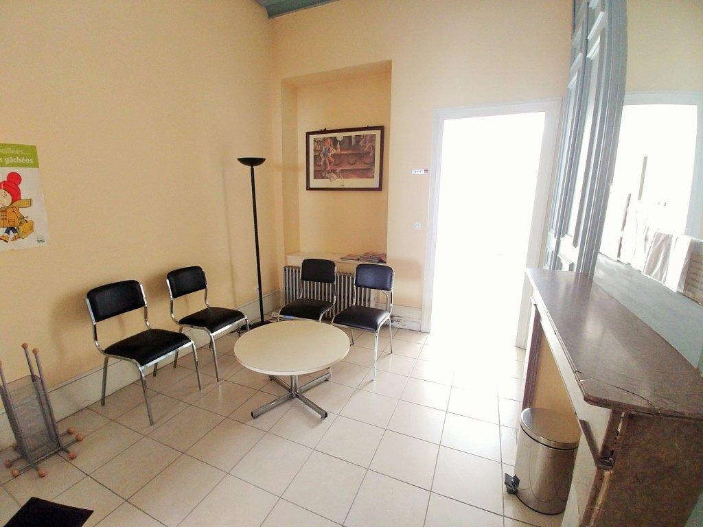 BUREAU A LOUER - LILLE - 55 m2 - 1�0 € HC par mois