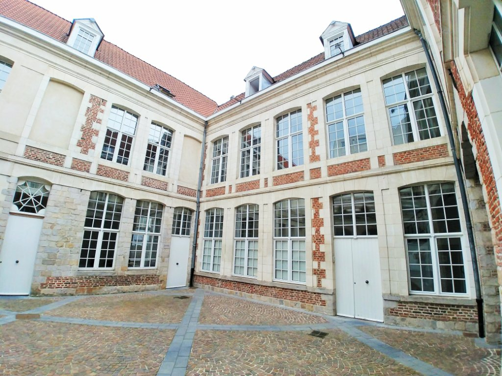 BUREAU A LOUER - LILLE - 37,5 m2 - 620 € HC et HT par mois