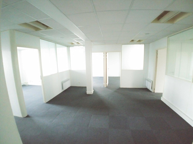 BUREAU A LOUER - WASQUEHAL - 100 m2 - 1�0 € HC et HT par mois