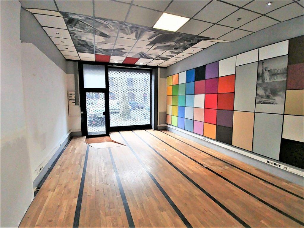 LOCAL COMMERCIAL A LOUER - LILLE - CENTRE - 125 m2 - 1�0 € HC par mois