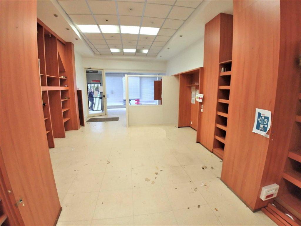 LOCAL COMMERCIAL A LOUER - LILLE - GAMBETTA - 73 m2 - 2�0 € HC par mois