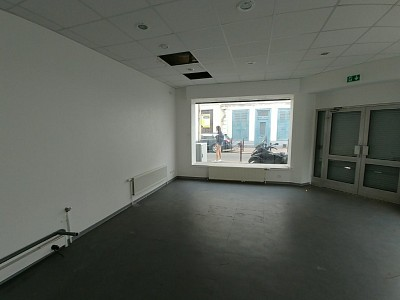LOCAL COMMERCIAL A LOUER - LILLE - 70 m2 - 1�0 € HC et HT par mois
