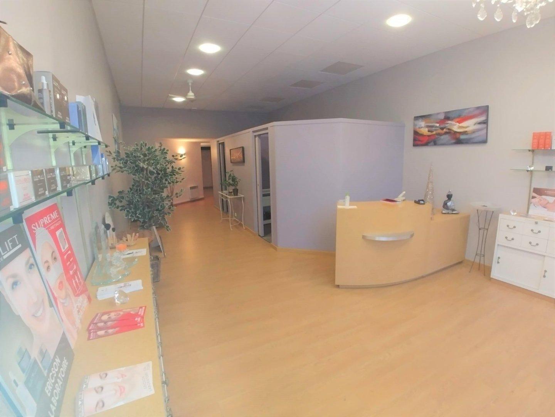 LOCAL COMMERCIAL A LOUER - LILLE - 92 m2 - 1�0 € HC et HT par mois