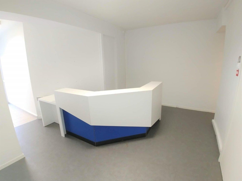 LOCAL COMMERCIAL A LOUER - LILLE - 145,25 m2 - 1�0 € HC et HT par mois