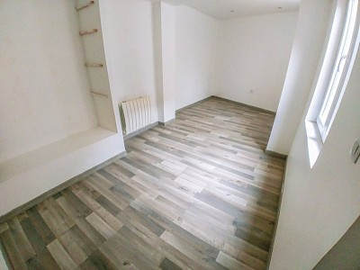 LOCAL COMMERCIAL A VENDRE - ARMENTIERES - 100 m2 - 118�0 €