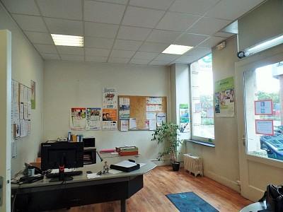 LOCAL COMMERCIAL A VENDRE - LILLE REPUBLIQUE - 73,8 m2 - 182�0 €