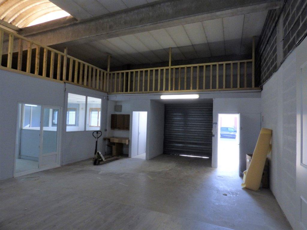 LOCAL D ACTIVITE A LOUER - LOMME - 164,79 m2 - 11�0 € HC par mois